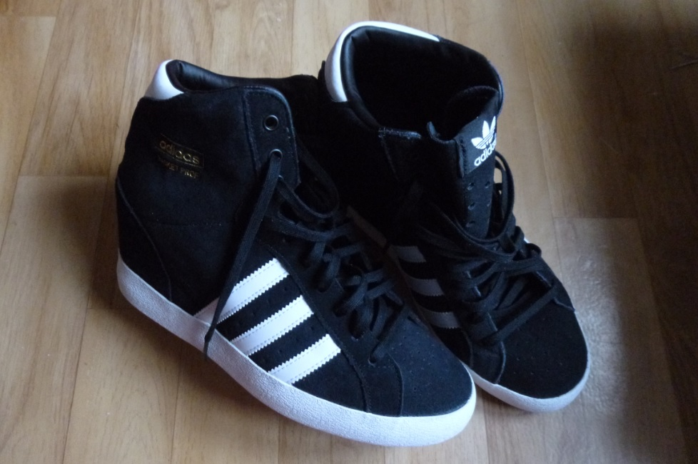 basket adidas compensee